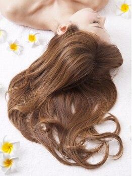 アルベロヘアー(ALBERO HAIR)の写真/その日の施術に合わせてトリートメントを使い分け◇髪のダメージを抑えて、しっとり潤うツヤ髪へ。