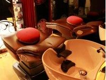 ラフテル(Hair Design Raftel)の雰囲気(フルフラットのシャンプー台だから夢見心地でリラックス…♪)