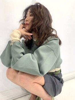 ケイトミラー(KATE Mirror)の写真/当店人気NO.1のCOLORは《艶&透明感》を追求した外国人風カラー。今までにない憧れのカラーが手に入る。