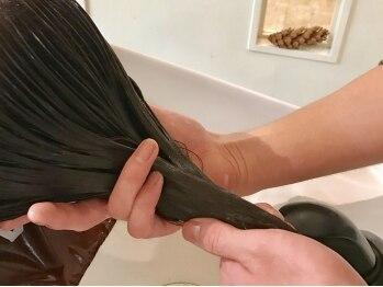 アンジェリーク(ANGELIQUE)の写真/話題の髪質改善【TOKIOトリートメント】で髪本来の美しさが叶う。髪の芯からしっかり補修◎感動の手触りへ!