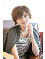 アッシュタカサキ(ash takasaki)20代30代★スタイリング簡単♪大人小顔ハンサムショート