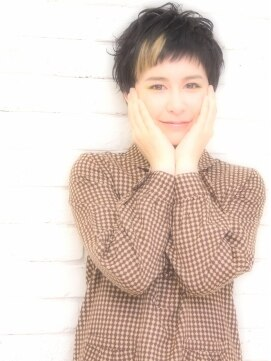 ザッツ 平井店(ZA'S)モード☆セクションカラー×黒髪ショート