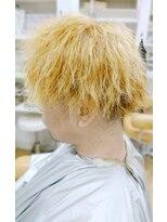 金髪ツイストパーマ