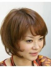 ヘアスペース タング(Hair space Tang)クルンとした毛先が揺れるミディアムヘア