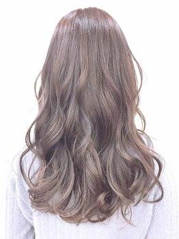 レヴェヘア rever hairの写真/[呉駅徒歩3分]東京で定期的に勉強中◎数々のコンテストで受賞歴を持つ知識力豊富な実力派stylistが担当!