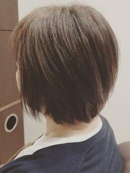 アローナ(Arona)の写真/高い技術力と豊富な知識でお客様1人1人に似合わせカットを!顔周りスッキリで再現性の高いショートヘア♪