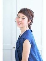 フェリチタ(FELICITA)前髪短めヘアアレンジ