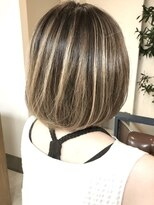 ヘアアンドメイクフリッシュ(HAIR&MAKE FRISCH)ハイライトボブ