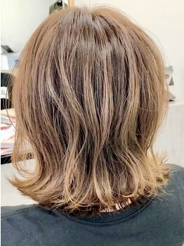エンプラス(Enplus)の写真/【Enplus】好みの髪色・雰囲気は人それぞれ。ゲストに寄り添った適切なプランニングが当店のウリ。