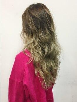 カリナ ヘアサロン(carina hair salon)の写真/絶妙な色味に、思わず感動!トレンド×豊富なデザイン性で、誰とも被らないオリジナルカラーを楽しんで♪