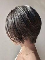 【morio 原宿】黒髪 センターパート ショートボブ 前髪なし