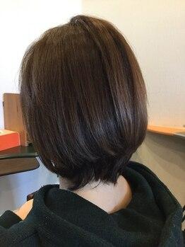 白髪染め専門店 ティールーム(T.ROOM)の写真/ダメージレスの薬剤をこだわって使用!これからの髪のことを考えた提案をします♪駐車場完備で通いやすい◎