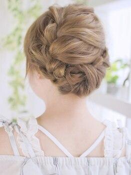 ソスウ 浜松町(SoSu)の写真/浜松町駅徒歩3分/大門駅徒歩2分★可愛いヘアセットが¥4950♪結婚式・二次会・パーティーで褒められヘアに!