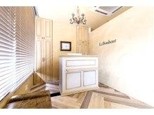 ラボヌール 春日部東口店(La Bonheur)の雰囲気(アンティーク家具に、こだわった店内♪居心地良さで人気♪)