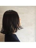 ヘアアンドヒーリング クローバー(Hair&Healing Clover)フープピアスと外ハネ