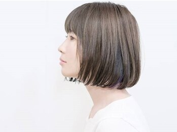 ルーシー ヘアデザインワークス(Lucy Hair Design Works)の写真/美容液成分80%以上◇高発色・色持ちが良いのに、髪・地肌へのダメージを軽減した『魔法のグレイカラー』