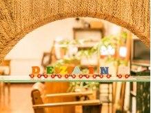 デザインエイチ(DEZAIN h)の雰囲気(アジアンテイスト♪ウッディで温かみのあるサロンです。)