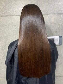 ザ ドット(THE DOT)の写真/数年先まで見据えたヘアケアで未来の髪を守る。幅広いプロダクトで自分の髪質に合うアイテムを発見。