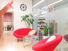 エワル(EWALU)の雰囲気(寛げるスペースをご用意☆ヘアと癒しの同時施術も可能です。)