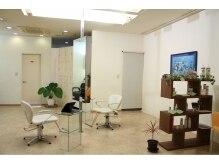 グリーン エコ サロン ヴァッセル 酒々井店(green eco salon wasser)の雰囲気(1階)着付けやまつ毛パーマ・エクステ用のスペースもあります。)