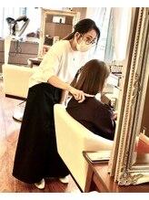 ヘアープロデュース ア ラ モード(Hair Produce A La Mode)三井 亜友