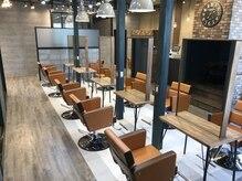 アグ ヘアー カハラ 大分3号店(Agu hair kahala)の雰囲気(広々とした空間で、笑い声があふれる空間です♪)