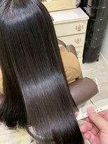 ヘアアンドメイクグラチア(HAIR and MAKE GRATIAE)ツヤツヤホホバオイル配合縮毛矯正