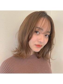 レジーロ (Regilo)☆シースルーバング×切りっぱなしミディボブ☆