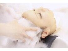 アレックス 三宮店(alex)の雰囲気(≪Head spa≫頭皮をケアしながら優しく洗いあげる。)