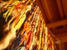 ボンゴ BONGOの雰囲気(毛糸で作ったBONGOオリジナルのエクステもあります♪)