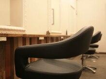 カムシーサード(Comese'III)の雰囲気(長時間座っても楽なこだわりのセット椅子)
