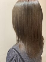 リズブリエ(Lis briller)艶髪ストレート★フォギーベージュ