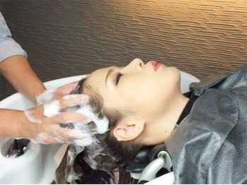 ニッチ 西梅田(Niche)の写真/【ブリーゼブリーゼ4F/完全個室/SPA専門店】頭皮をキレイにし美髪へ導く自慢のスパを体験♪