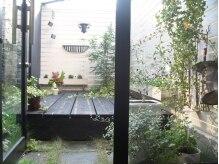 ブリエ(briller)の雰囲気(店内には癒し効果バツグンの中庭もあります♪)
