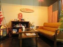 カットショップ ハレイワ(Cut Shop Haleiwa)の雰囲気(京町屋を改装した落ち着いた印象のサロン。カフェのような雰囲気)