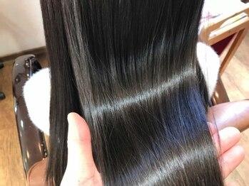 リボーン 大高本店(reborn)の写真/カラーリング×エイジングケア☆抗酸化作用の高い成分やシアバター配合で、地肌にも髪にも優しいカラー◎