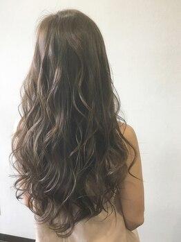 グロウズ ヘアー(GROWS HAIR)の写真/新メニュー《オキシロンカラー+カット ¥7300》が大好評!白髪染めなのに低刺激!通常のオシャレカラーも♪