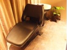 ロココ (rococo.)の雰囲気(半個室のシャンプー台で周りを気にせずリラックスして頂けます。)