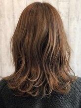 ヘアーワークスロジカ(hair works LOJICA)ローレイヤースタイル