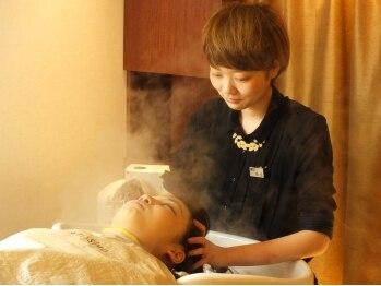 ヘアメイク ポルテ(HAIR MAKE PORTE)の写真/【盛岡駅徒歩3分】個室のヘッドスパブースが大人気♪たまった疲れをヘッドスパとアロマキャンドルで癒そう!