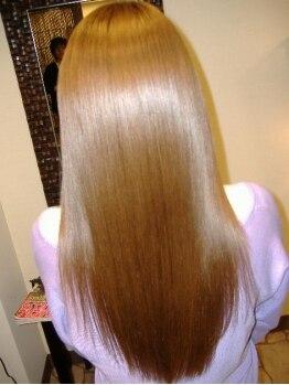 スカンクワーク(Skunk Work)の写真/【細毛・軟毛・ダメージの気になる方必見】かつてない、白金の力で髪を綺麗にするプラチナ縮毛矯正で艶髪!