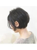 キアラ(Kchiara)黒髪の抜け感ショートボブ