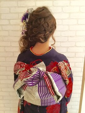 ヘアーメイク アーム(Hair Make ame)成人式アレンジスタイル