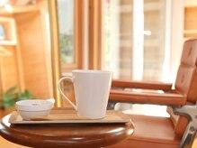 アツラエ(atsurae)の雰囲気(カフェのような空間で、外の景色を眺めながらゆっくり…)