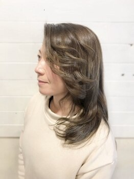 ラシーマ(LA-CIMA)の写真/【お洒落な白髪染め】【大人ハイライト】いつまでも綺麗でいたいあなたに…ダメージレスでお洒落に決まる★