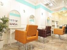 オーブ ヘアー クローバー 名古屋3号店(AUBE HAIR clover)の雰囲気(開放感のある明るい店内で、くつろぎの時間をお過ごしください。)