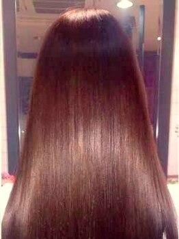 ガーネット(GARNET)の写真/【ハイクオリティでリピーター様多数★】コラーゲン縮毛でやわらかい質感の自然なストレートが叶います♪