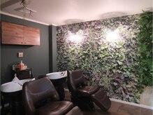 美容室アンバー(amber)の雰囲気(ゆったりとしたスペースで心地よいシャンプーを。)