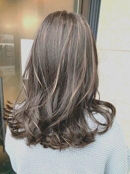 ブレイブ ヘアデザイン(BRaeVE hair design)の写真/白髪染めでも《ハイライト》《グラデーション》を使ったデザインカラーをご提案させていただきます。