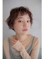アコット ラバス(Acotto Labas)外国の女の子のような、くせ毛風ショートボブ